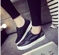Na primavera da nova tela de couro sapatos pretos feminino estudantes de baixa ajuda lazer sapatos plataforma Ms sapatos de plataforma tamanho 35-40
