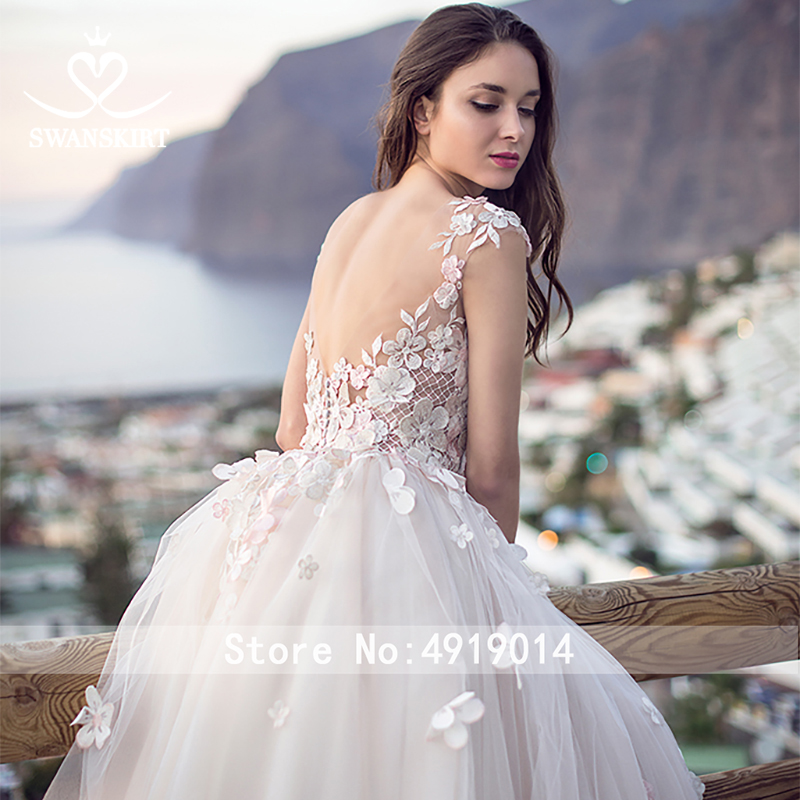 Image 4 - Swanskirt Flowers Ball Gown Wedding Dress 2019 Romantic Appliques backless Beaded Chapel Train Bridal Gown Robe de mariee OZ05-in Wedding Dresses from Weddings & Events