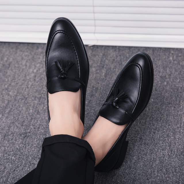 men dress business shoes pointed toe luxury brand famous tassel italian footwear male formal flats fashion oxford shoes men k3