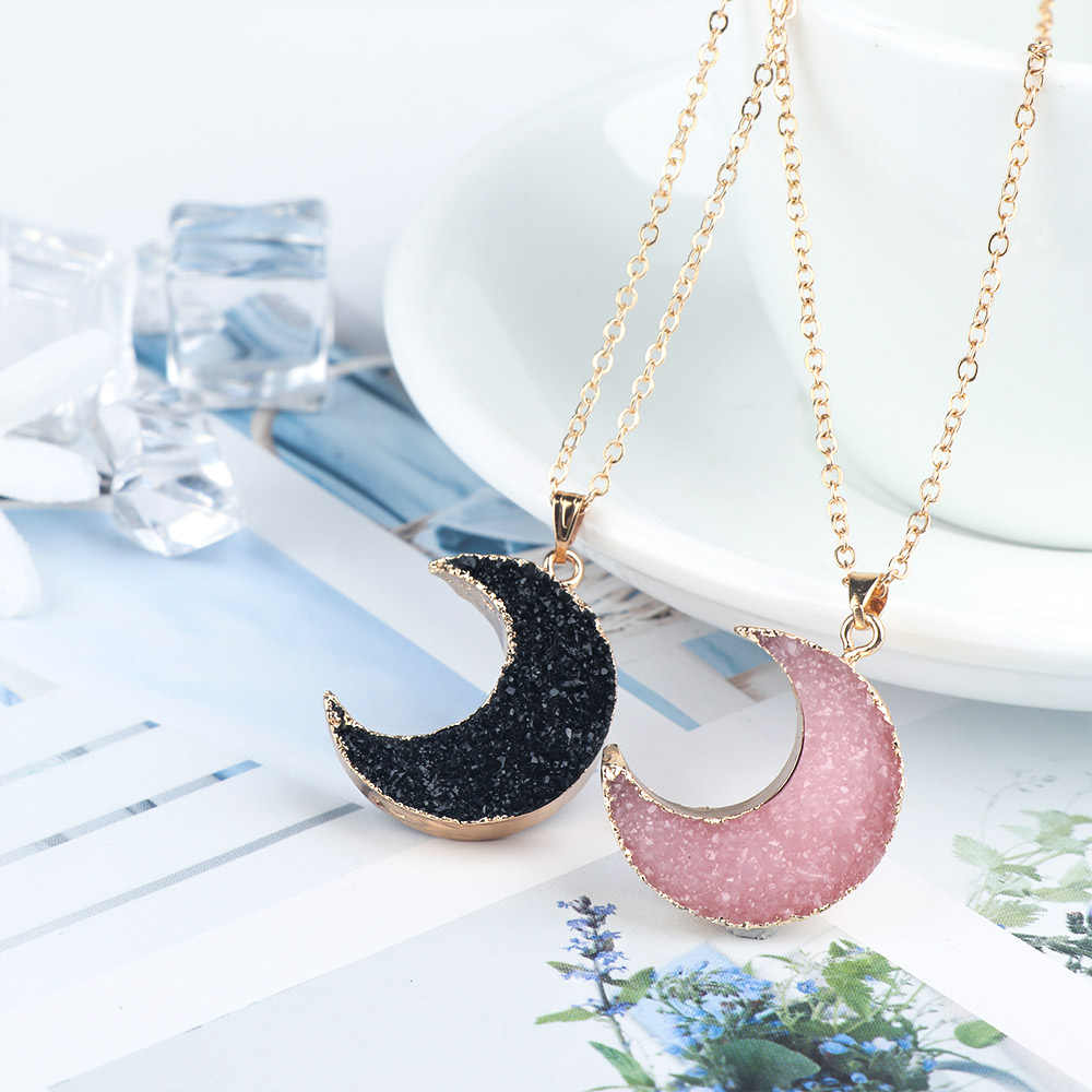 Fashion Pink Black Moon Resin Stone Pendant Necklace for Women Gold Color Chain Necklace Sweater Coat Necklaces Jewelry Gifts