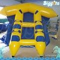 Inflatable biggors quatro pessoa jogando peixe voador inflável para adultos