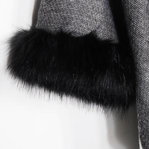 Image 5 - 2020 Winter Foulard Women Poncho With Fur Collar Floral Female Cashmere Shawls Scarf Jacquard Skill Warm Pashmina Poncho Tassel