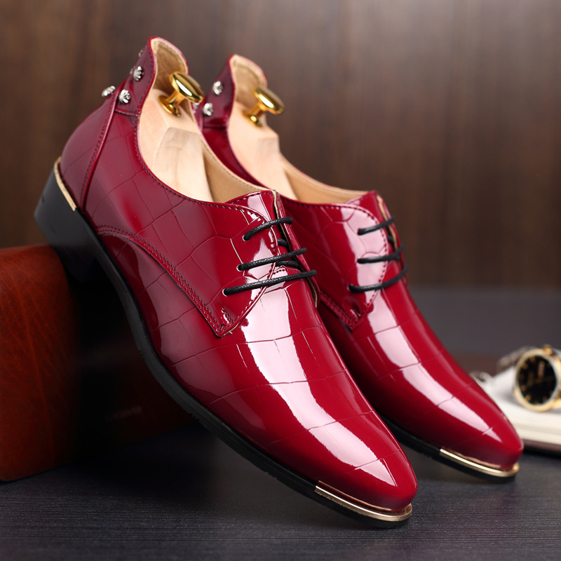 Autumn Mens Dress Pointed Toe Flowers Patent Leather Wedding Party Oxfords Shoes Lace Up Red Blue Green Male Fashion Oxfords Shoes