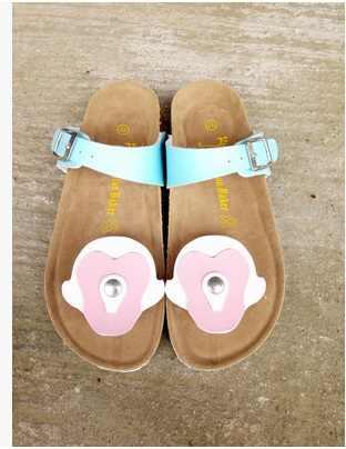 2018 marka yeni düz terlik bayanlar sevimli karikatür yetişkinler için flip flop mavi beyaz slaytlar kadın yaz plaj ayakkabısı büyük boyutu 43