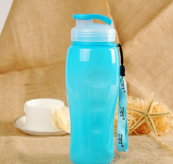 Nueva 600 ml Agua Portable de Los Deportes Botella de Bebida de Plástico Respetuoso Del Medio Ambiente mi botella de beber mi bootl Agitador botella de agua que acampa al aire libre