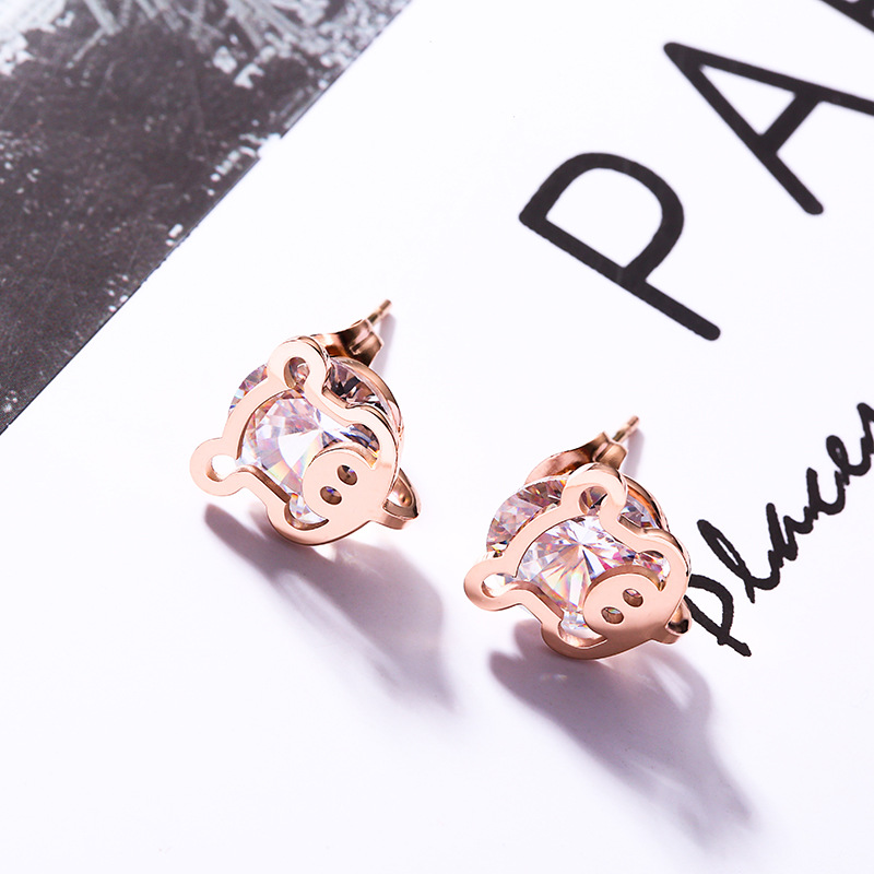 Fashion jewelry accessories, cartoon pig set zircon titanium steel earrings, rose gold allergy earrings wholesale