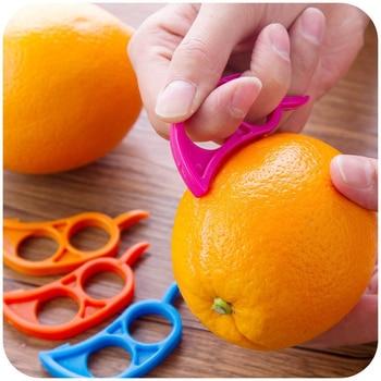 1Pcs Creative Orange Peelers Zesters Lemon Slicer Fruit Stripper Easy Opener Citrus Knife Kitchen Tools Gadgets (Random Color)