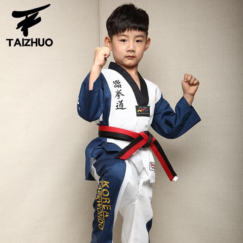 2017 children Kids Taekwondo dobok WTF Approved Taekwondo fitness training Dobok Uniforms Long Sleeve kung fu Clothes110-150cm target kick pad for taekwondo training black red