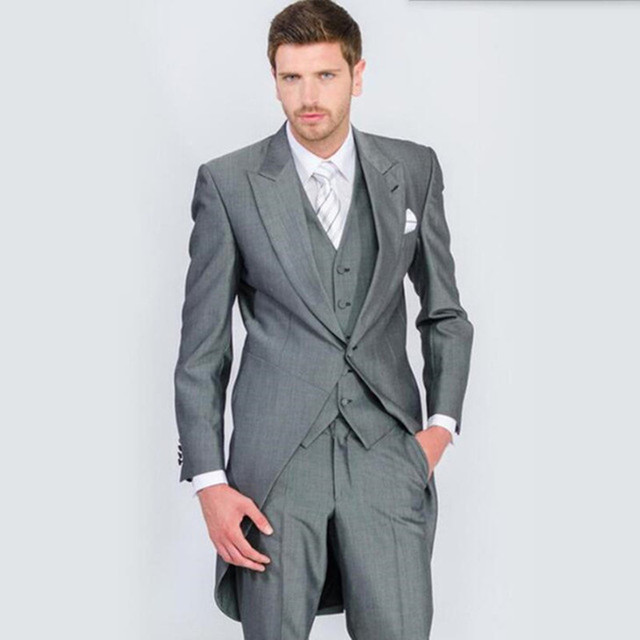 7d0f164130 Perfecta masculina trajes Peaked Lapel un botón moda ocio traje Groomsman  tailcoat boda hombres Suits (