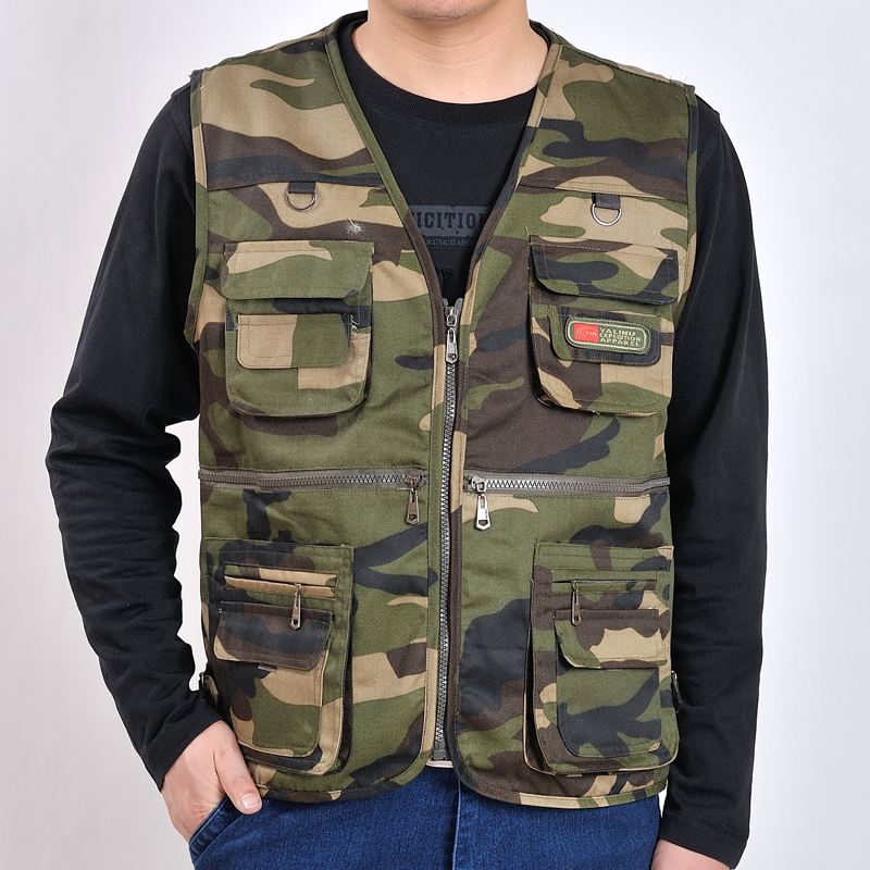 TG6293-A1252 2020 new Spring and autumn style middle aged men's leisure multi-pocket photography shoulder vest cheap wholesale