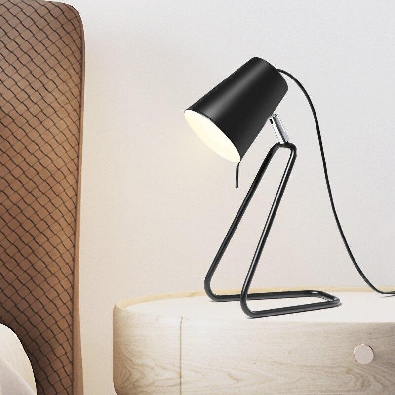Оригинальность читает настольная лампа] Современная Краткая офис исследование настольная лампа спальня прикроватный личность Nordic Настоль...