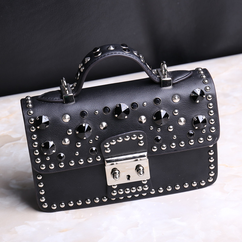 Cool 2017 Punk Rivet Diamonds Crossbody Bags Handbags Women Famous Brands Vintage Split Leather Hasp Flap Women Messenger Bags