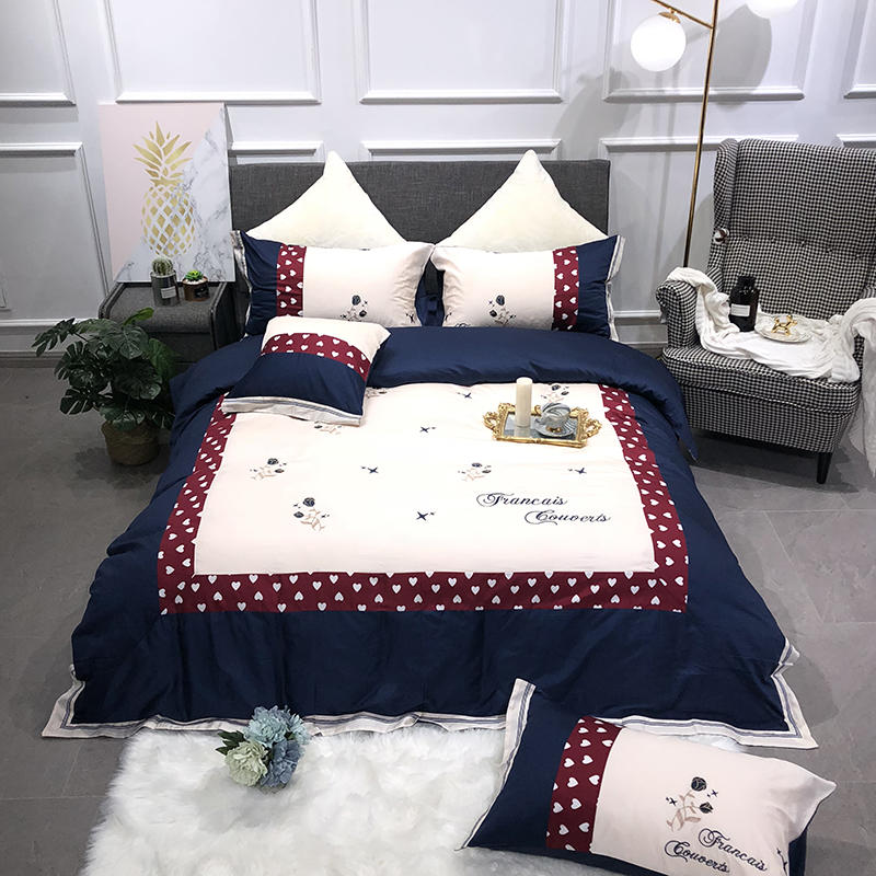 4-piece Luxury Embroidery Blue White Hearts Bedding Egyptian Cotton Duvet cover Queen King Size Bed sheet set Pillow shams4-piece Luxury Embroidery Blue White Hearts Bedding Egyptian Cotton Duvet cover Queen King Size Bed sheet set Pillow shams