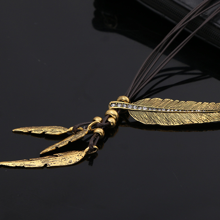 HTB1d5HJKVXXXXXOXVXXq6xXFXXXF - Women Necklace Alloy Feather Statement Necklaces Pendants Vintage Jewelry Rope Chain Necklace Women Accessories for Gift