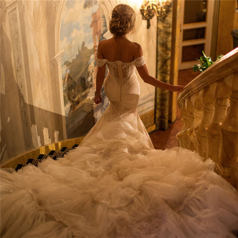 Wedding Gowns With Trains: Luxury 2016 New Cathedral Royal Train Sweetheart White