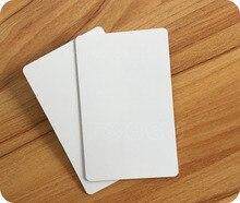 شحن مجاني 50 قطعة بطاقة UID قابلة لإعادة الكتابة تتفاعل 13.56 mhz بولي كلوريد الفينيل رقيقة Uid للتغيير IC كتلة 0 بطاقة للكتابة (1 K)