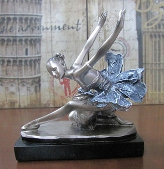 Ballet Dancing Girl Figurine Resin Ballerina Danseuse Statuette Souvenir Gift and Craft for Household Decor and Art Collection