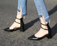 Primavera 2017 mujeres de la marca de moda negro beige cuadrado tacón puntiagudo hebilla pu barato alta calidad Med Tacones Bombas Zapatos