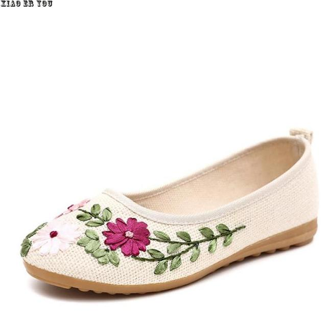 2017 New Vintage Embroidery Flat Shoes Women Ballerinas Dance Embroidery Shoes Platform Canvas Walking Casual Shoes Size 34-40