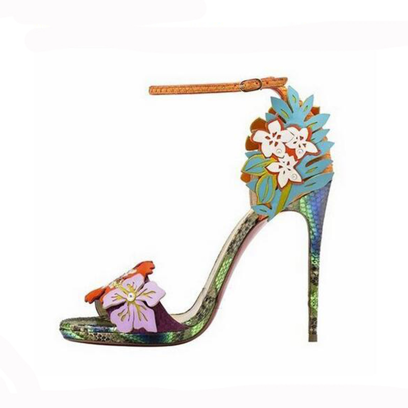 In 2017, the new sexy high-heeled women's women's shoes fashion party is comfortable with 11CM flowers and sandals 35-40 the new type of diamond mother sandals lady leather fish mouth flowers with leather high heeled shoes slippers women shoes
