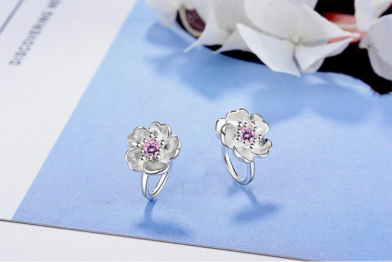 Fashion 925 Sterling Silver Pink Zircon Cute Flower Clip Earrings For Baby Children Girls Women Beautiful Earring Jewelry EH288 in Clip Earrings from Jewelry Accessories