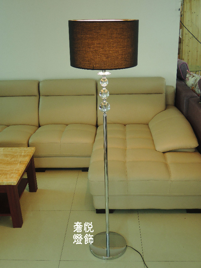 Modern Crystal floor lamp living a simple and stylish bedroom Lamps Floor Lamps ZS122 modern crystal floor lamp with fabric shade contemporary crystal floor lighting crystal floor lamps living room floor lights
