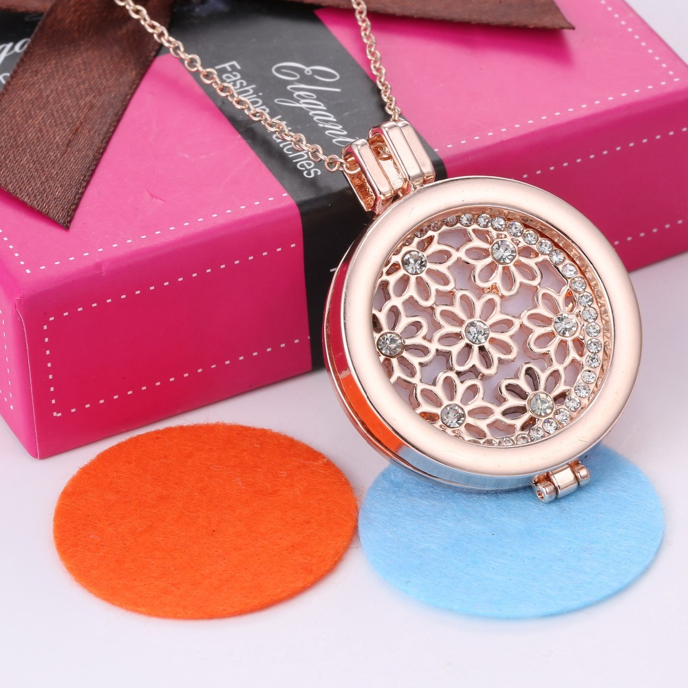 Korean Special Gift Round Flower Hollow Pattern Openwork Rose Gold Color Stylish Aromatherapy Essential Oil Diffuser Necklace