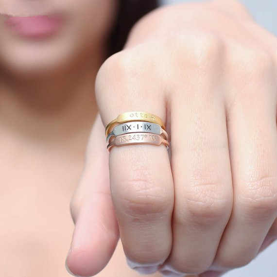 Handmade Stackable Custom แกะสลักเริ่มต้นบาร์แหวนเงินทอง Customized ชื่อชุดแต่งงานแหวน