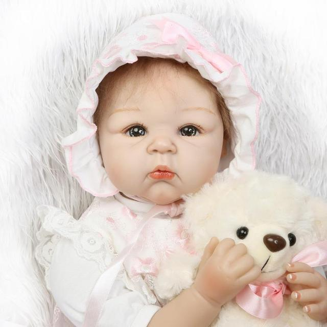 2017 New 55cm Adorable Cute Baby Reborn Doll Silicone Reborn Doll Realistic Newborn Baby Girl Lifelike Baby Alive Dolls Playmate