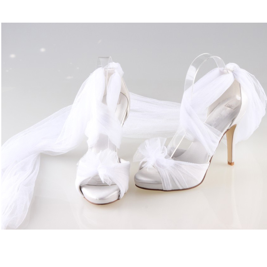 Creativesugar Handmade white fairy tale bridal long tulle soft gauze leg  wrap pumps wedding party homecoming quinceanera shoes-in High Heels from  Shoes on ... d111a7956b7b