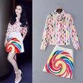 Alta calidad nueva moda Casual traje de falda de 2016 mujeres del Color del caramelo camisa de la impresión + Rainbow imprimir Mini falda ( 1 Unidades ) Twinsets 2 unid