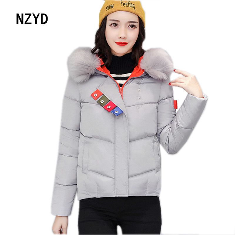 2017 Winter Women Jacket Hooded Thickening Warm Long sleeve Patchwork color Parkas New Fashion Loose Big yards Coat LADIES193 women winter parkas 2017 new fashion hooded thick warm patchwork color short jacket long sleeve slim big yards coat ladies210