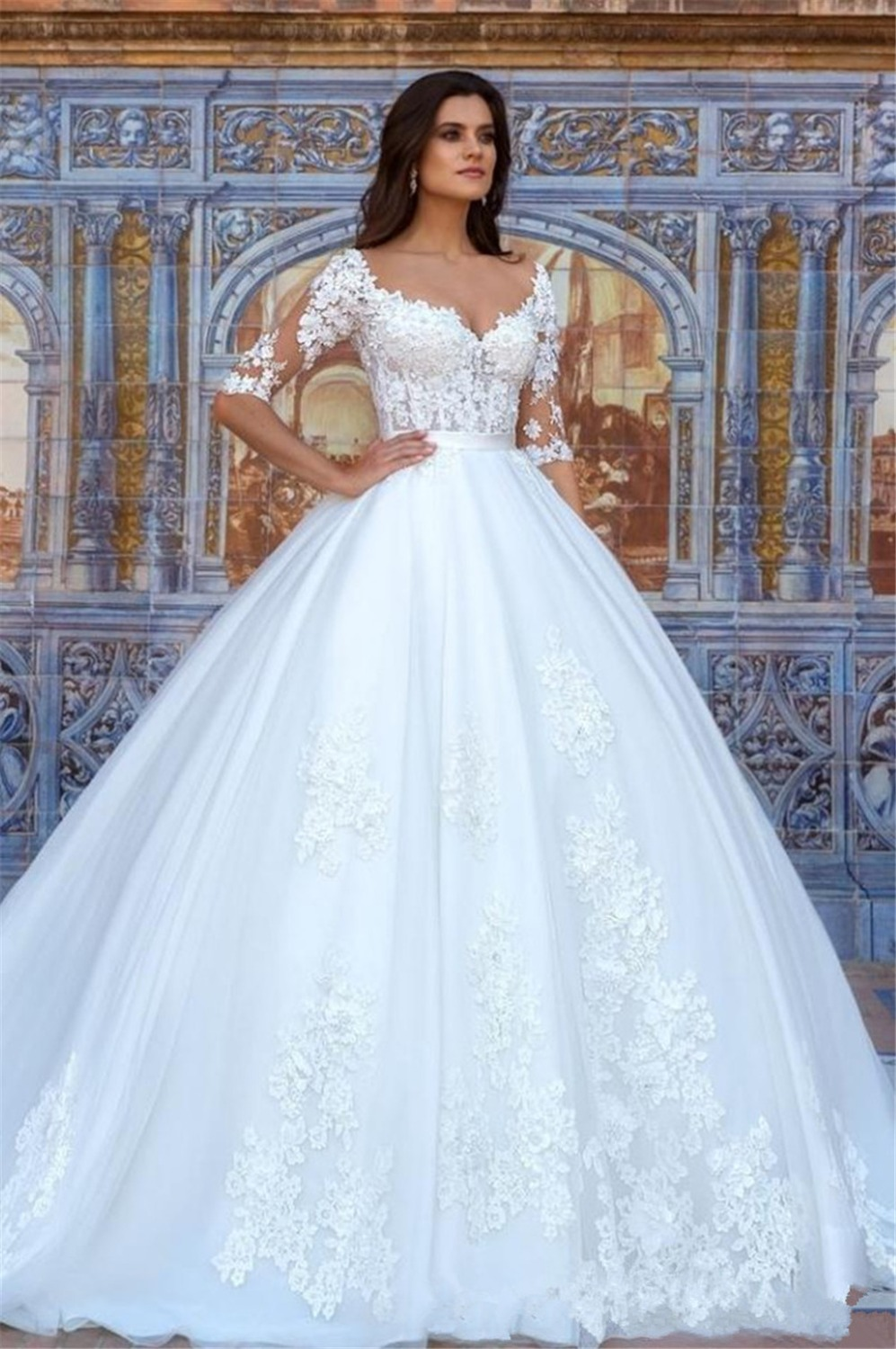 2018 A Line Wedding Dresses Lace Appliques 1 2 Sleeves Wedding Dress Bridal Gowns Court Train