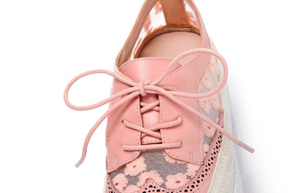 Lenkisen streetwearรอบนิ้วเท้าลูกไม้ขึ้นหนังวัวของแข็งสาเหตุรองเท้าส้นmedปักพิมพ์ผู้หญิงหวานรองเท้าวัลคาไนL81-ใน รองเท้ายางวัลคาไนซ์สำหรับสตรี จาก รองเท้า บน   2