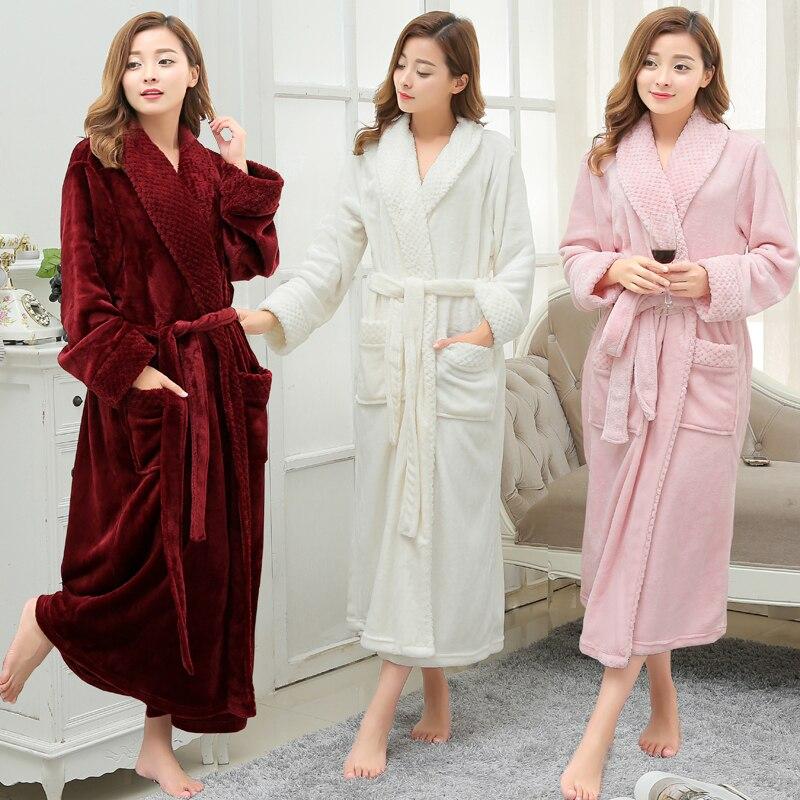 ebb5ed69a2577 Femmes hommes hiver épais chaud Long peignoir grande taille corail polaire  très doux chemises de nuit demoiselle d'honneur Kimono Robes de bain robe  de ...