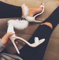 Echte Foto Goedkope Vrouwen Luxe Bont Ontwerp Hoge Hak Sandalen Wit roze Enkel Wrap Pluizige Pompen Party Charmant schoenen vrouw Gratis Sh