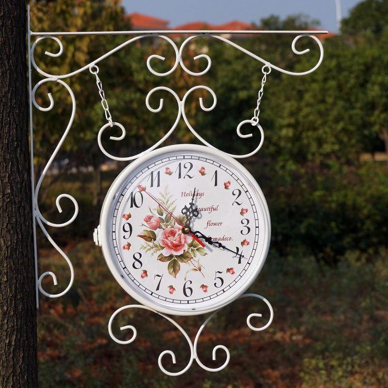 Reloj de hierro de estilo Rural de doble cara rotado reloj de metal antiguo regalo único decoración del hogar-in Relojes de pared from Hogar y Mascotas    1