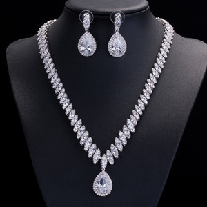 Image 1 - Collar y pendientes de boda de Zirconia cúbica de alta calidad, conjuntos de joyería de cristal de lujo para damas de honor