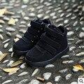 2017 otoño y el invierno de la manera ocasional de los deportes zapatos de niños y niñas en forma de bota zapatillas Hook & Loop