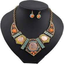 LUFANG 2017 Fashion Vintage Gold Color Boho Crystal Collar Choker Necklace Power Blue Big Statement Maxi Necklace Women Jewelry
