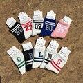 2016 Número Carta New Cotton Sock Mulheres Meias Casuais Atacado Casais Sox com Peúga Dos Homens do estilo Harajuku