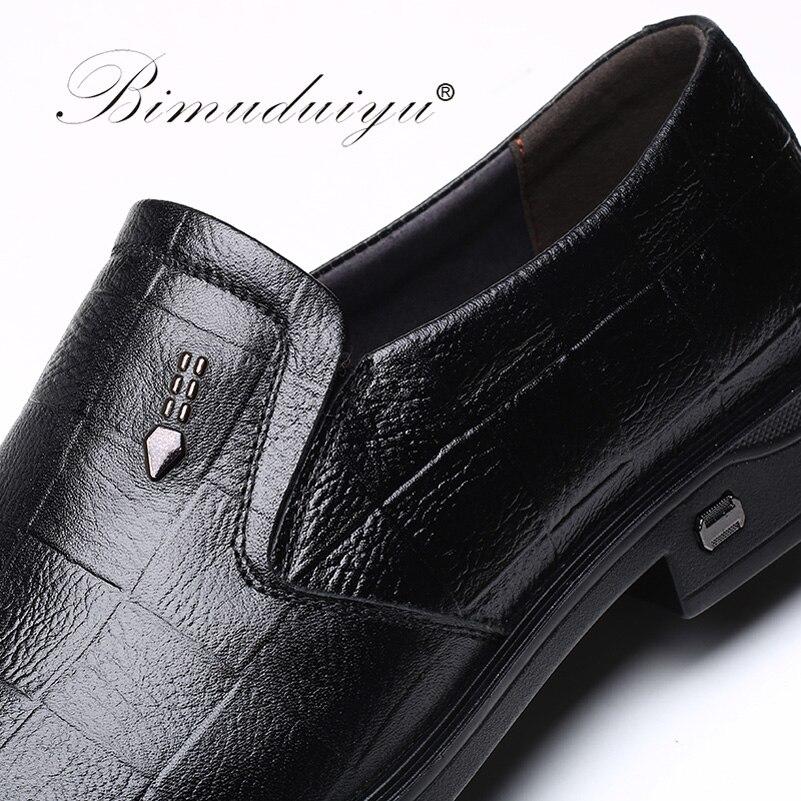 Zapatos de cuero genuino BIMUDUIYU para Hombre Zapatos Oxford negros/marrones zapatos casuales de negocios mocasines zapatos planos transpirables los hombres-in Zapatos oxford from zapatos    3
