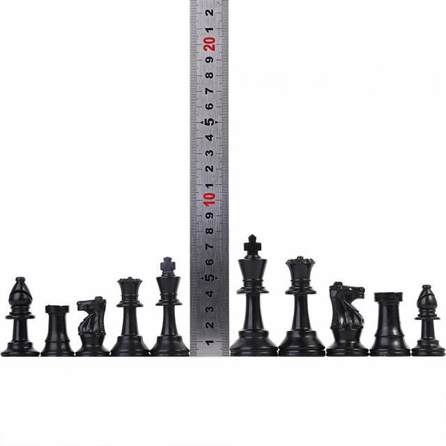 32 pièces d'échecs médiévales noir et blanc complet 64/77mm plastique  1