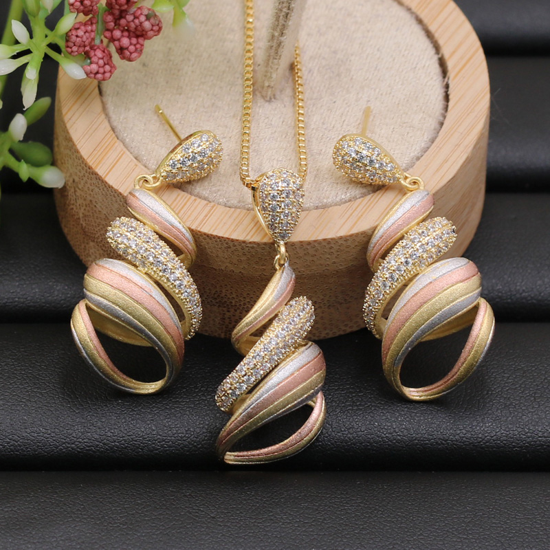 Lanyika Jewelry Set Delicate Spiral Geometric Lines Zircon Sandblasting Necklace with Earrings for Bridal Engagement Best GiftLanyika Jewelry Set Delicate Spiral Geometric Lines Zircon Sandblasting Necklace with Earrings for Bridal Engagement Best Gift