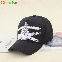 ChenKe más nuevo dedo doble hebilla gorra de béisbol Unisex moda papá sombreros  ajustables Snapback acrílico sombreros ocasional. 0b5a2b40dc1