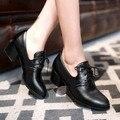 Novo 2017 Do Vintage Quadrado Calcanhar Rendas Até Mulheres Bombas Senhoras casuais Sapatos de Salto Alto Plus Size 34-47 Mulheres de Salto Baixo Oxfords