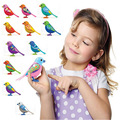 Digi Aves Animais De Estimação Pássaro Cantando Música Elétrica Brinquedos Do Pássaro Com o Botão Da Bateria Presente de Natal Para Crianças S20 Cor Aleatória