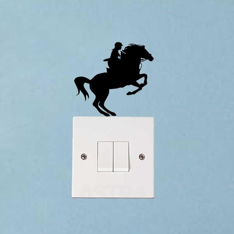 Sport Cavallo Salta Parete di Modo Della Decorazione Della Decalcomania Soggiorno Interruttore Della Luce Sticker 6SS0044