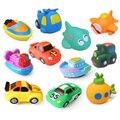Cool Spray de Água Brinquedo De Banho De Natação Piscina Brinquedos Do Bebê Crianças Colorido carro Barco de Borracha Macia Brinquedos para Meninos Das Meninas Material Seguro CBT02