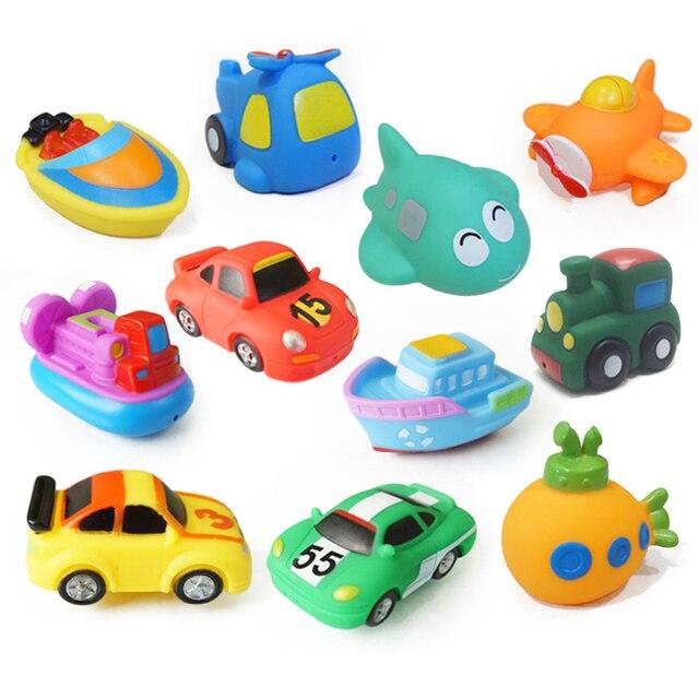 Juguete de baño fresco piscina juguetes de bebé niños rociador de agua colorido coche barco juguetes de goma suave para niños niñas seguro material CBT02